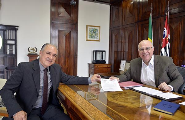 Secretário de Agricultura e Abastecimento recebe prefeito de Monte Alto