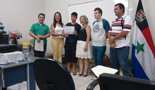 "Centro Educacional ""Pedro Cetroni"" realiza entrega de certificados"