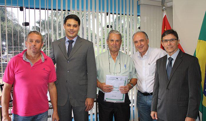 Prefeitura realiza doação de terreno à OAB de Monte Alto