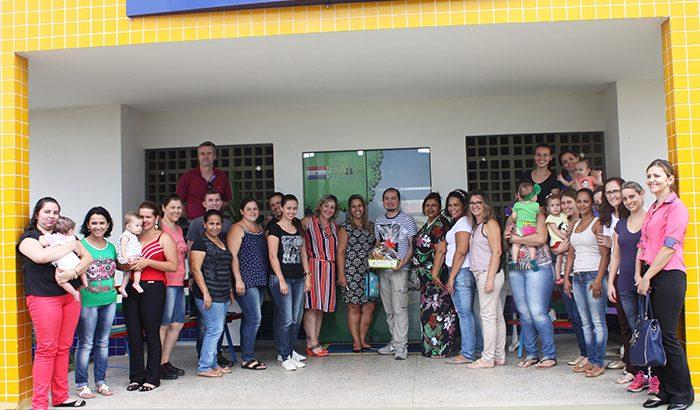 """EMEB Laís Amanda recebe visita de representante da """"Turma da Mônica"""""""