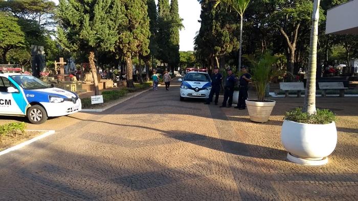 Guarda Civil realiza operação no Cemitério Municipal
