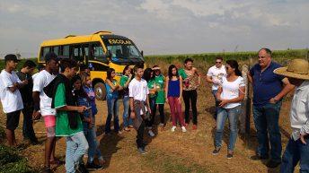 Da zona rural de Monte Alto, jovens conhecem exemplo de inovação