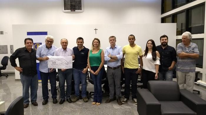 Prefeitura recebe projeto da Concha Acústica da Associação dos Engenheiros, Arquitetos e Agrônomos de Monte Alto