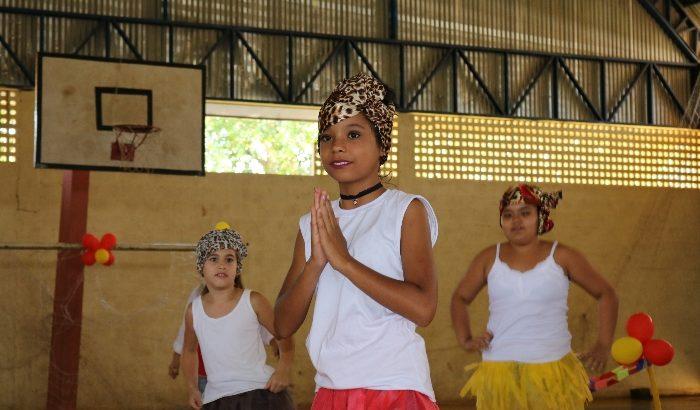 EMEB Profª Juventina de Oliveira Penna Campos realiza a VII Mostra Cultural