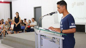Anfiteatro Municipal recebe alunos da EMEB Profº Norival Mendes para formatura