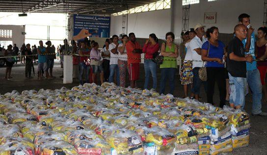 Assistência Social entrega cestas a famílias montealtenses