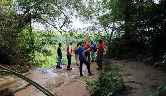 COMDEMA visita cachoeira após denúncia de crime ambiental