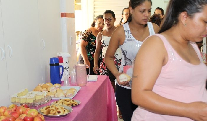 Ambulatório de Saúde da Mulher oferece café da manhã especial para as pacientes