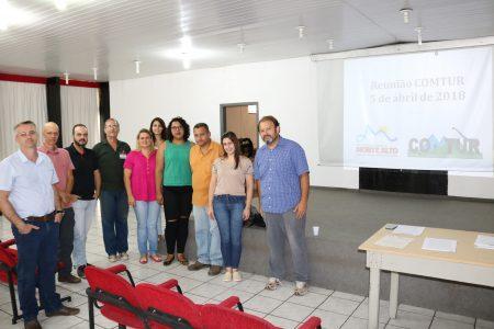 Membros presentes na reunião do COMTUR