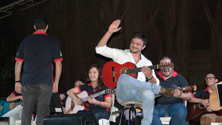 Apresentação do violeiro Arnaldo Freitas antecede aniversário de Monte Alto