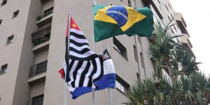 15 de maio conta com hasteamento de bandeiras e visita ao túmulo do fundador de Monte Alto