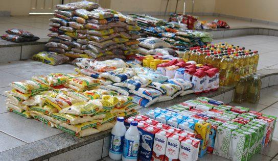 Alimentos arrecadados no rodeio serão revertidos a famílias carentes