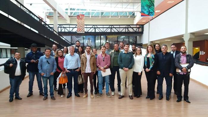 Equipe da Prefeitura Municipal faz treinamento sobre MITs na Secretaria do Turismo