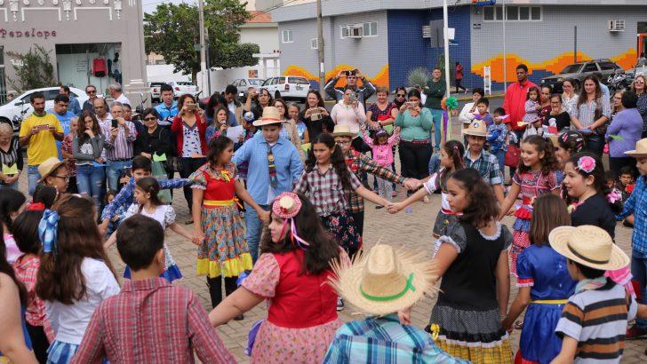 Escolas municipais encerram cronograma de festas juninas