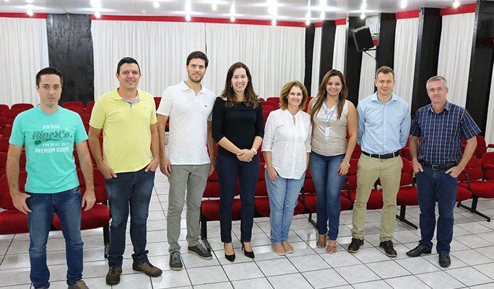 Prefeitura e Sebrae encerram primeira capacitação para empresários do setor de Turismo