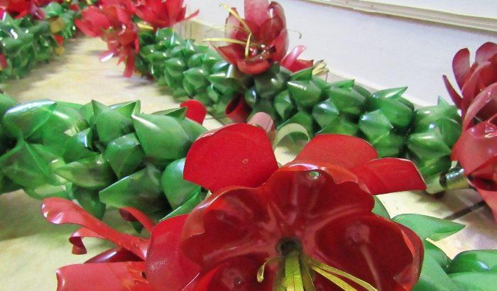 Decoração natalina está sendo preparada em oficina do FSS