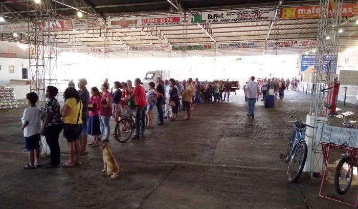 Secretaria de Assistência entrega cestas básicas para população