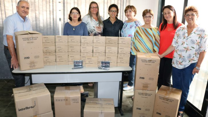 'Seja Digital' entrega kits a entidades e prédios públicos de Monte Alto