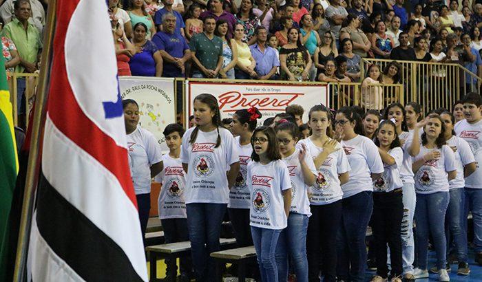 Formatura do PROERD reúne alunos, familiares e autoridades municipais
