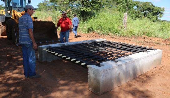 Estradas rurais passam a receber novos mata-burros de ferro