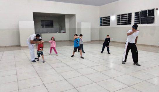 População do Distrito de Aparecida ganha projeto de capoeira
