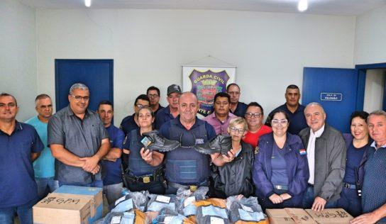 Guardas Municipais recebem novos coturnos para trabalho