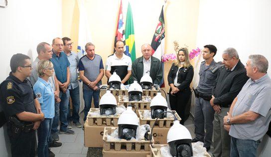 ACIMA entrega novas câmeras para a Secretaria de Segurança Pública