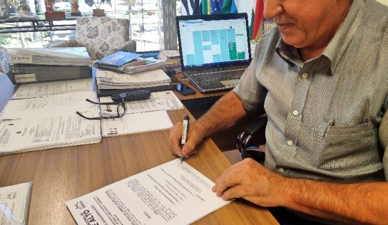 Prefeito sanciona decreto que dá nova composição ao COMDEMA