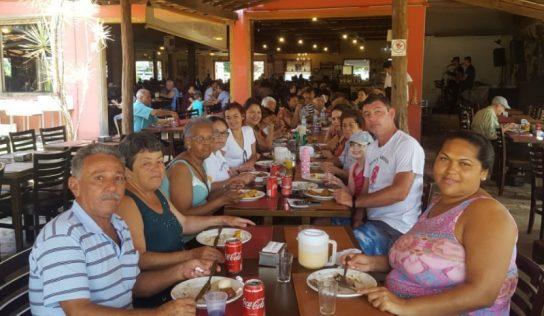 Accácio de Oliveira Nunes leva idosos para passeio em Ribeirão Preto
