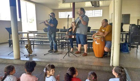 Conservatório Musical apresenta seu trabalho em visita às escolas