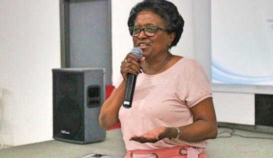 Anfiteatro Municipal recebe palestra com especialista sobre drogas