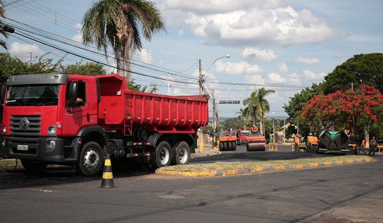 Recapes continuam e chegam em vias de grande tráfego no município