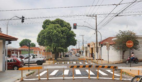 Monte Alto inicia instalação de novos semáforos em quatro pontos críticos