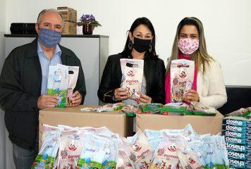 Prefeitura entrega kits de higiene bucal às famílias no Programa 'Criança Feliz'