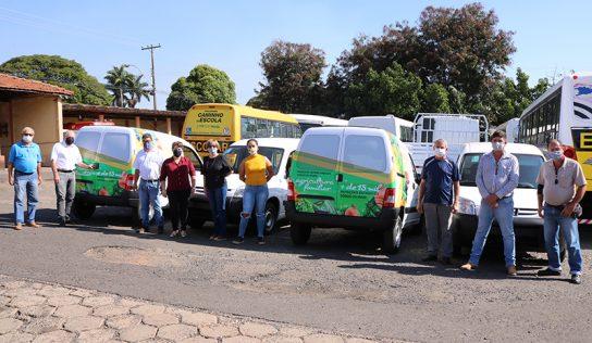 Prefeitura apresenta novos veículos entregues