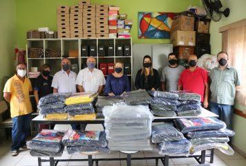 Após entrega de cobertores para a população, Fundo Social visita entidades do município