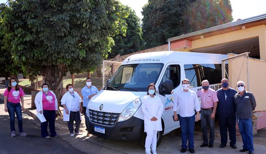 Distrito de Aparecida recebe nova van para transporte de pacientes