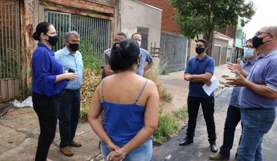 Vera Cruz: governo visita o bairro e ouve moradores